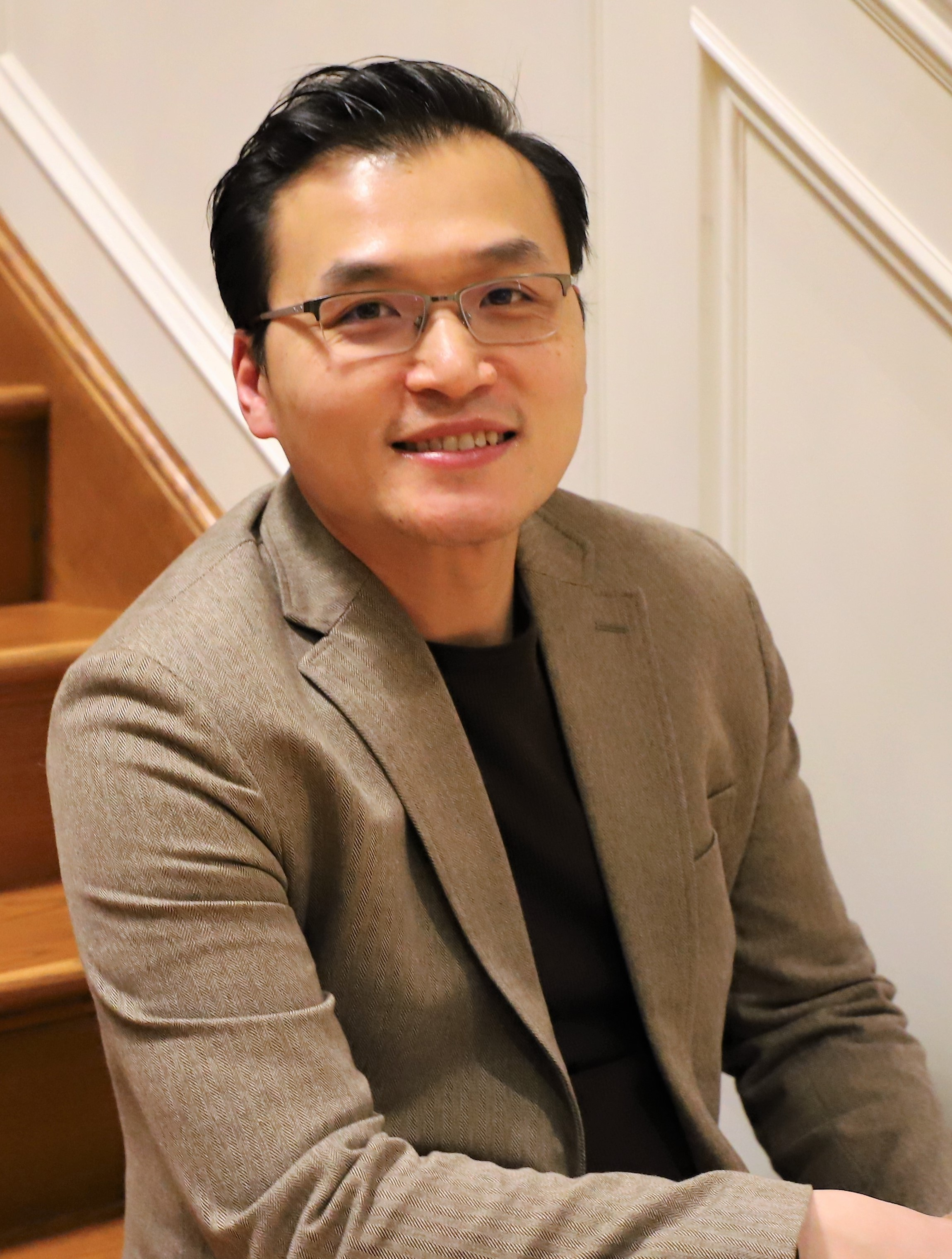 Dr.Chan - Periodontist